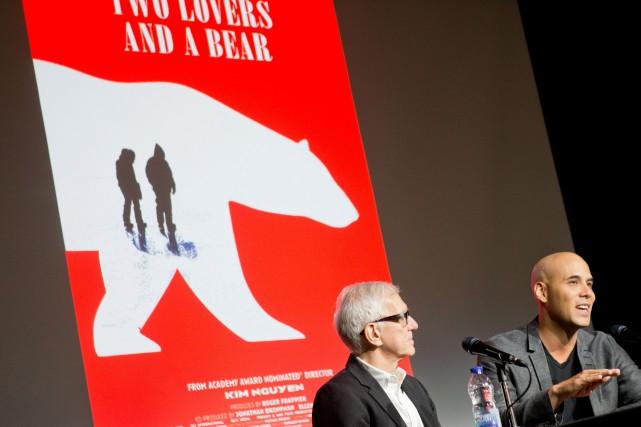 Le producteurRoger Frappier et le réalisateur Kim Nguyen... (PHOTO MARCO CAMPANOZZI, LA PRESSE)