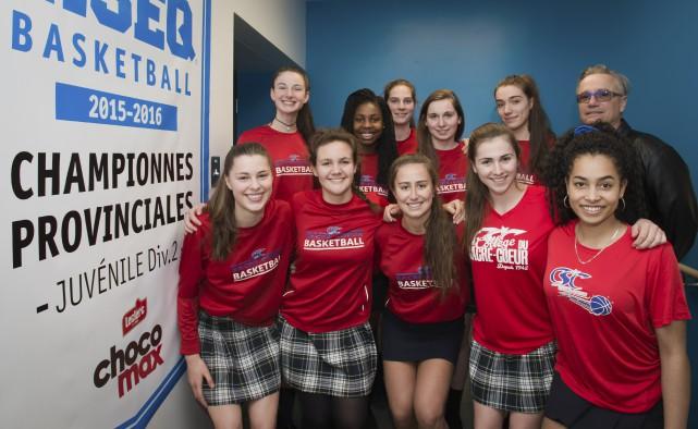 Après une saison mémorable, l'équipe juvénile de basketball... (Spectre Média, Jessica Garneau)