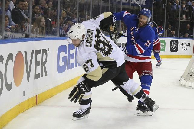 Sidney Crosby n'a pas maille à partir qu'avec... (AFP, Bruce Bennett)