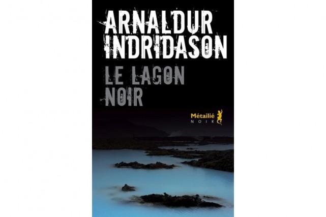 DansLe lagon noir, Arnaldur Indridason met en scène le jeune...