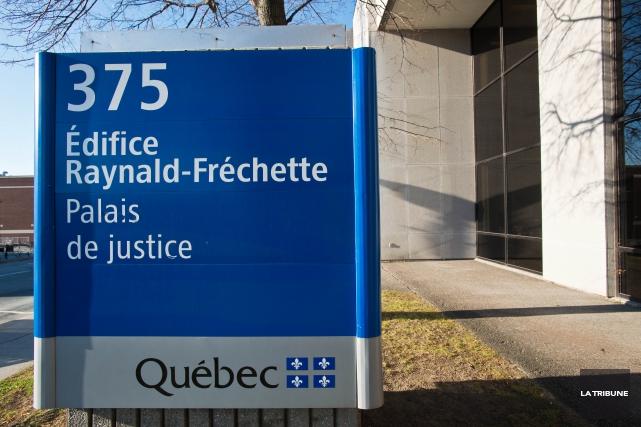 Un trafiquant de drogue a reconnu de multiples chefs d'accusation liés à ses... (Archives La Tribune, Jessica Garneau)