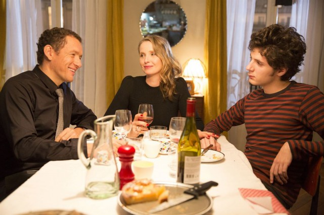 Dany Boon, Julie Delpy et Vincent Lacoste dans... (PHOTO FOURNIE PAR MARS DISTRIBUTION)