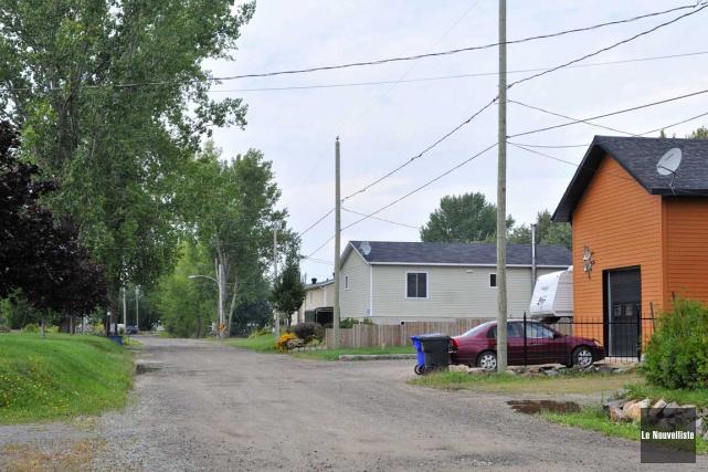 L'avenue du lac Saint-Pierre Ouest qui passe derrière... (Émilie O'Connor, Le Nouvelliste)