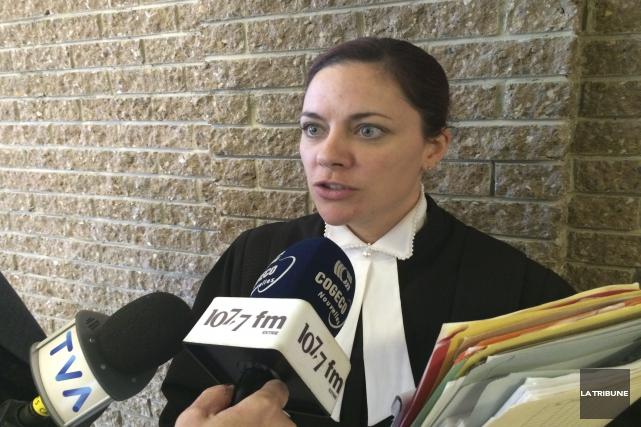 La procureure aux poursuites criminelles Me Joanny Saint-Pierre... (La Tribune, René-Charles Quirion)