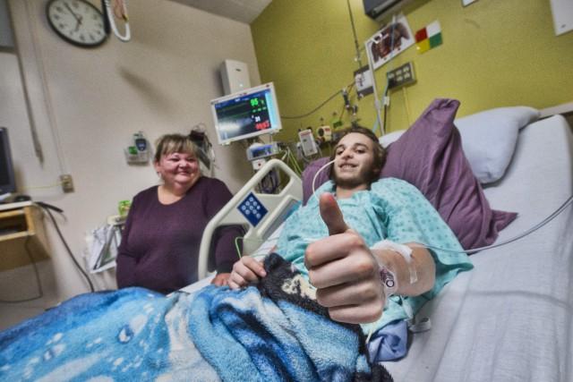 Depuis trois semaines, Nikola Houle-Moreau est hospitalisé au... (Spectre Média, Julien Chamberland)