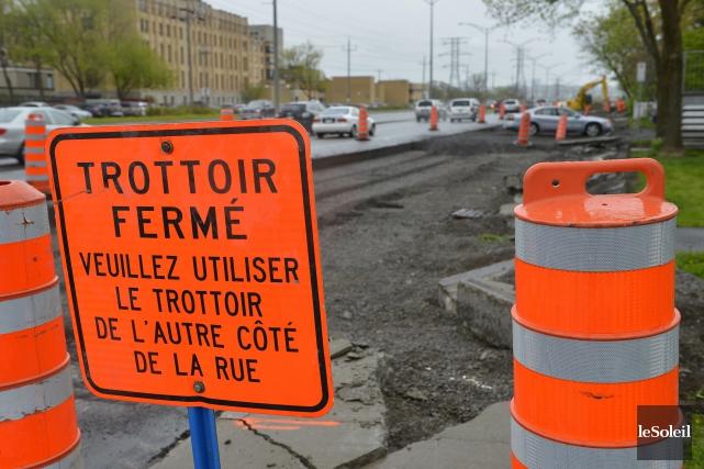 La Ville de Québec ne craint pas de faire monter les prix de l'asphalte, même... (Photothèque Le Soleil, Yan Doublet)