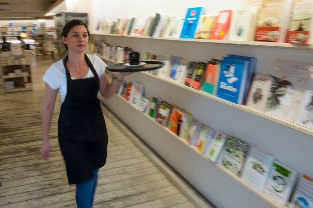 La libraire Bernant, à Barcelone, est aussi un... (Photo JOSEP LAGO, AFP)