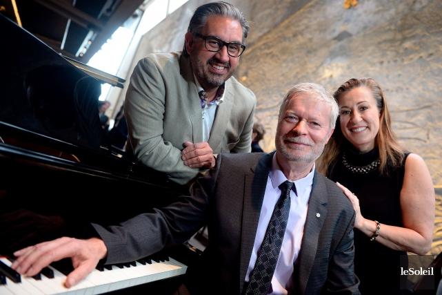 Grégoire Legendre (au centre), le directeur général et... (Le Soleil, Erick Labbé)