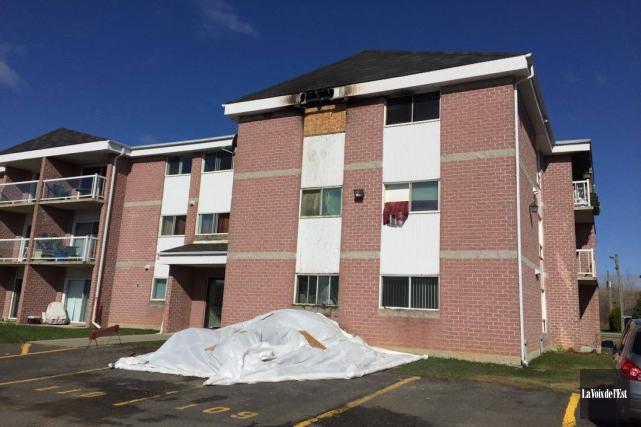 Un incendie a éclaté dans un immeuble à... (Catherine Trudeau, La Voix de l'Est)