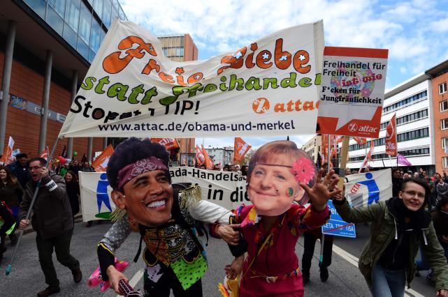 À Hanovre, dans le nord de l'Allemagne, Plusieurs... (AFP, John MACDOUGALL)