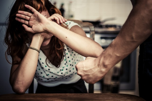 La violence conjugale est indéniablement inacceptable.... (123rf)