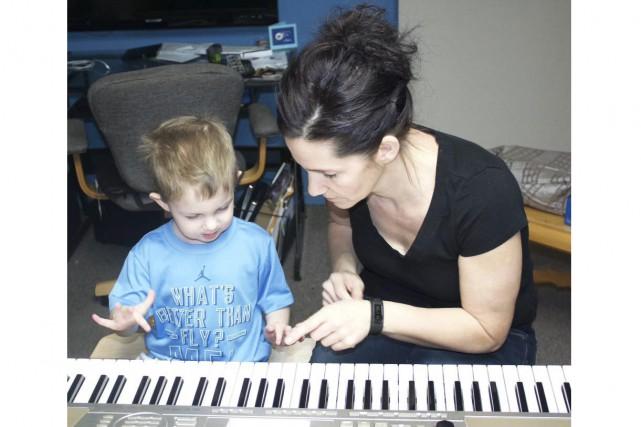 Maryse Verreault travaille avec son fils Xavier au... (Photo courtoisie)