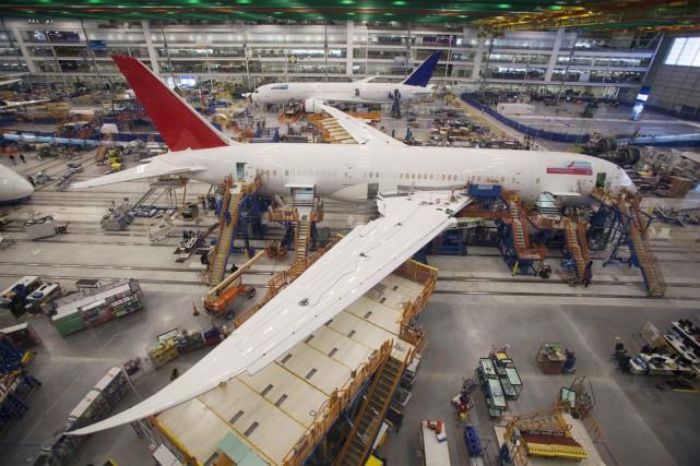Le 787, baptisé «Dreamliner», a connu des débuts... (Photo Reuters)