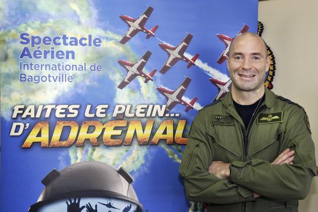 Le commandant de la Base de Bagotville, le... (Progrès-dimanche, Rocket Lavoie)