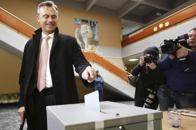 Le candidat à la présidentielle autrichienne Norbert Hofer.... (PHOTO DIETER NAGL, AGENCE FRANCE-PRESSE)