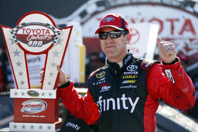 Carl Edwards... (PHOTO AP)