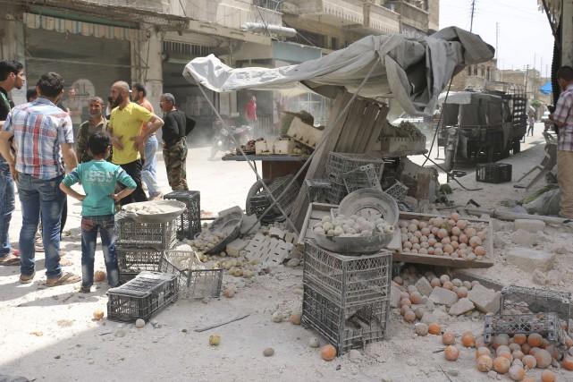 Alepvit de nouveau au rythme des raids et... (AFP, Ameer Alhalbi)