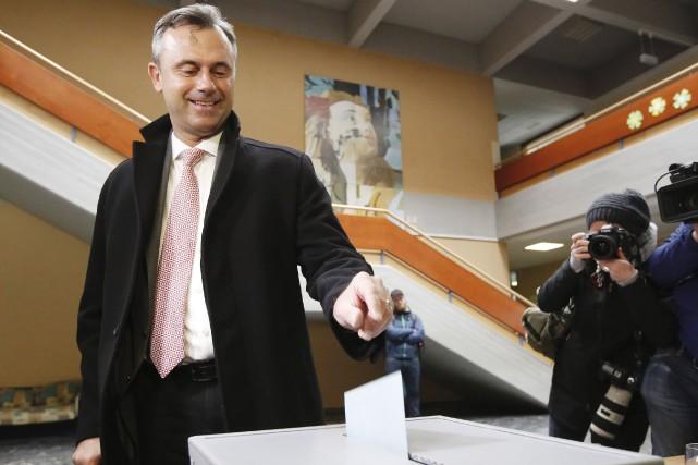 Norbert Hofer, du Parti pour la liberté... (AFP, Dieter Nagl)