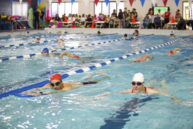 Plus de 200 nageurs se sont relayés pendant... (Olivier Croteau)