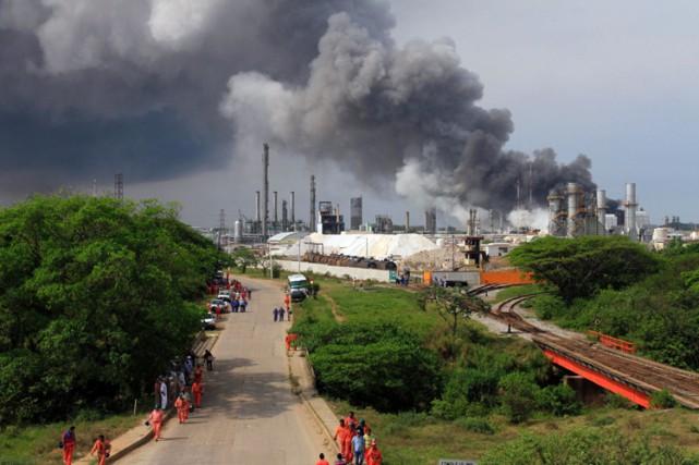 Pemex a reconnu qu'une fuite était à l'origine... (PHOTO AFP)