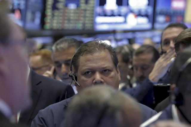 «Les investisseurs cachent probablement leur jeu avant une... (PHOTO BRENDAN MCDERMID, REUTERS)