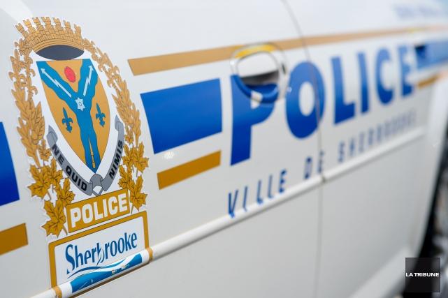 Un cas de violence conjugale a incité le Service de police de Sherbrooke à... (Archives, La Tribune)