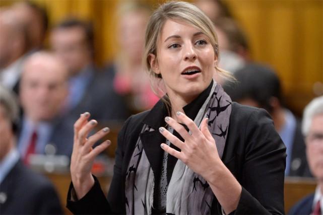 La ministre du Patrimoine canadien, Mélanie Joly, lance un vaste chantier. Son... (PHOTO ARCHIVES LA PRESSE CANADIENNE)