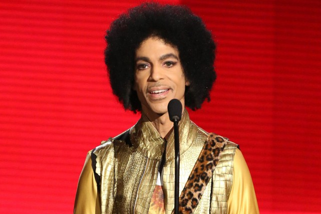 Prince lors des American Music Awards en novembre... (PHOTO ARCHIVES AP)