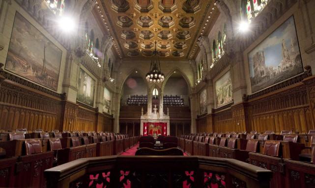Avant que les sénateurs ne soient libérés de... (Archives La Presse Canadienne,Adrian Wyld)