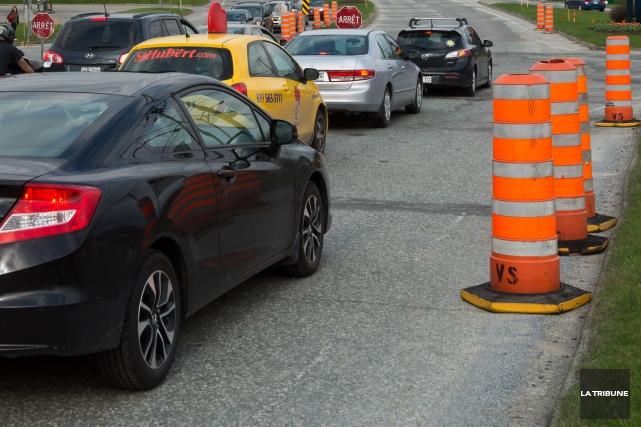 La Ville de Sherbrooke est déjà à l'oeuvre pour réaliser les travaux routiers... (Archives La Tribune)