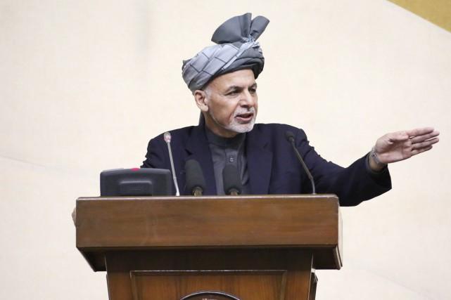 Le président Ashraf Ghani prend la parole devant... (PHOTO PALAIS PRÉSIDENTIEL AFGHAN/AP)