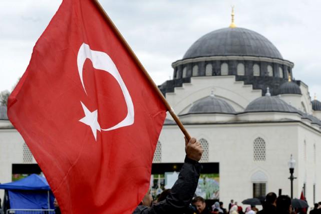 La présence de la religion dans la politique... (ARCHIVES AFP)