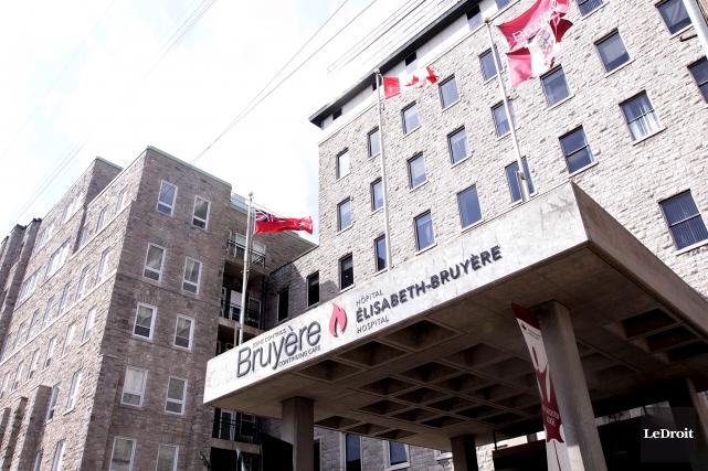 Selon la Coalition santé Ottawa, entre 120 à... (Etienne Ranger, Archives LeDroit)