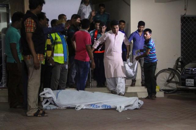 Les corps des deux militants ont été découverts... (PHOTO AFP)