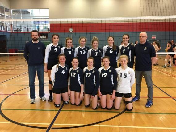 L'équipe U21 du Club de volleyball Saguenay a... (Photo courtoisie)