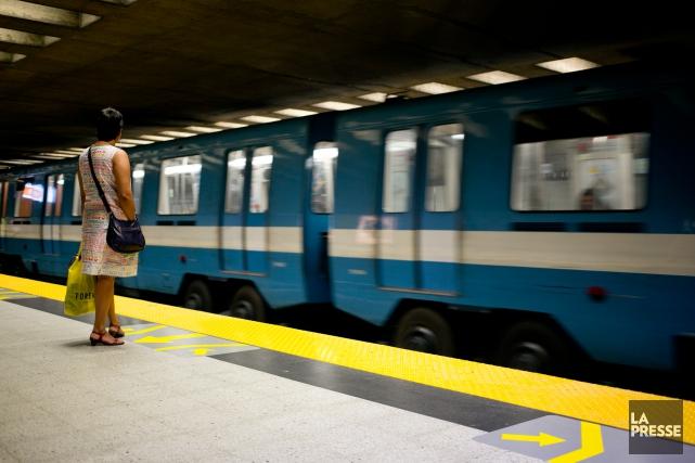 Le service a repris sur la ligne orange après une intervention des services... (PHOTO FRANÇOIS ROY, ARCHIVES LA PRESSE)