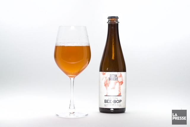 La Saison Bee-bop est une bière facile à... (PHOTO HUGO-SÉBASTIEN AUBERT, LA PRESSE)