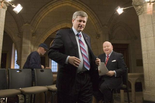 Stephen Harper, alors premier ministre, après une entrevue... (PHOTO TOM HANSON, LA PRESSE CANADIENNE)