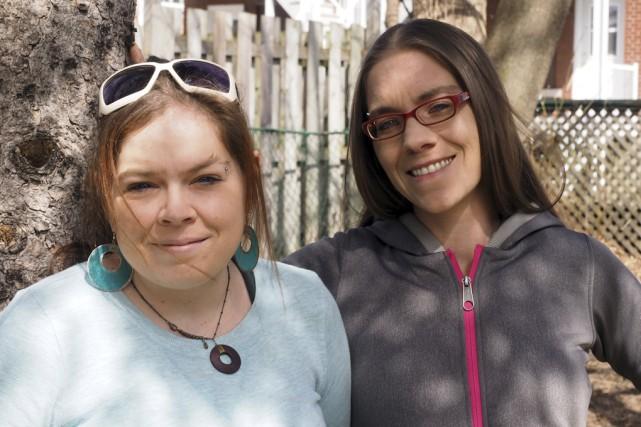 Valérie et Cynthia, de Granby, sont les mamans... (photo Janick Marois)