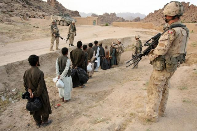 De nouvelles preuves prouveraientque l'armée canadienne a suivi... (PHOTO AFP)