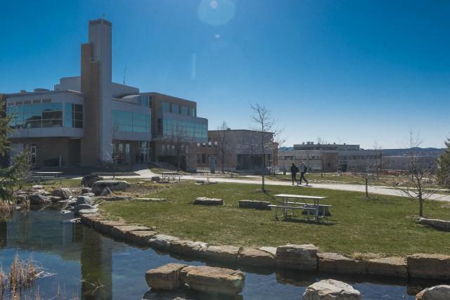 L'Université de Sherbrooke devra trouver 5,4 M$ afin... (Spectre Média, Maxime Picard)