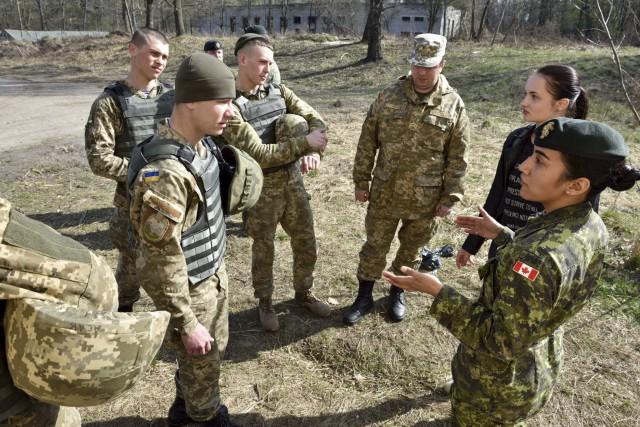 Des membres de d'autres bataillons basés à Valcartier,... (Tirée de Facebook)