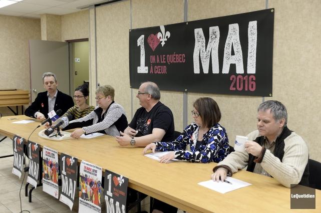 Les représentants de l'inter-syndical du Saguenay-Lac-Saint-Jean ont présenté... (Photo Le Quotidien, Jeannot Lévesque)