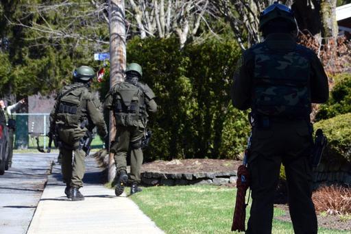 Un individu a tenu les policiers en haleine pendant plusieurs heures, mardi... (Photo collaboration spéciale, Éric Beaupré)