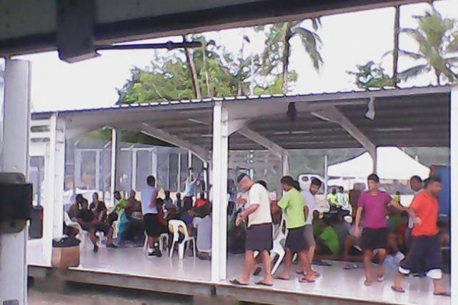 850 demandeurs d'asile sont actuellement détenus sur Manus.... (PHOTO ARCHIVES REUTERS/REFUGEE ACTION COALITION)