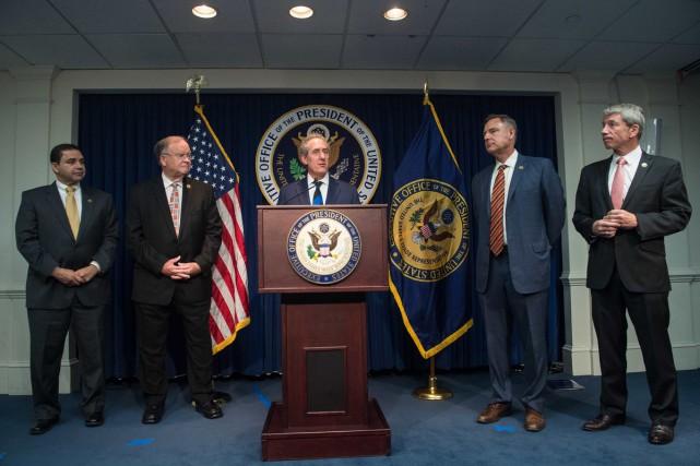 Le représentant commercial américain Michael Froman en conférence... (PHOTO AFP)