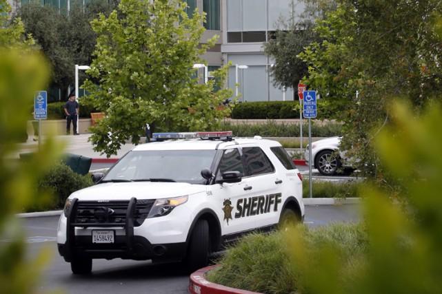 Un employé d'Apple a été retrouvé mort mercredi dans une salle de conférence du... (PHOTO AP)