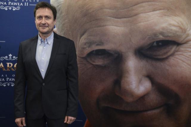 L'acteur polonais Jacek Kawalec interprète le défunt pape... (Jakub Kaminski, AFP)