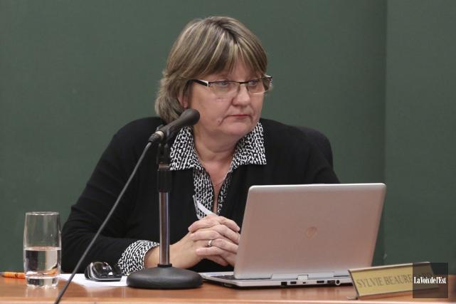 La conseillère Sylvie Beauregard... (Julie Catudal, archives La Voix de l'Est)