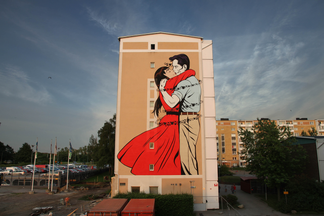 Last Embrace Before Departure, 10 m x 7... (Photo fournie par le festival Mural)